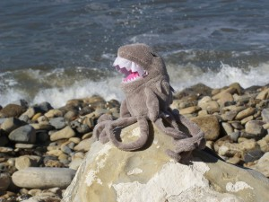 Sharktopus Goes On Vacation